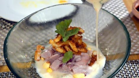 Ceviche de xarda con calamar rebozado, leche de tigre y ají limo